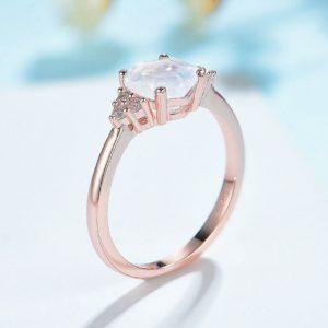 Bague pierre de lune rose naturelle