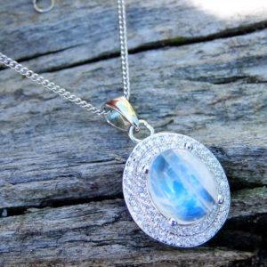 Pendentif pierre de lune véritable bleue