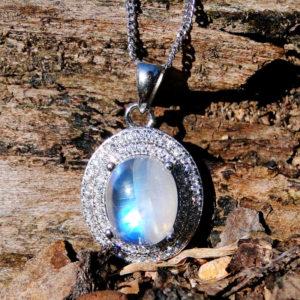 Pendentif pierre de lune véritable femme